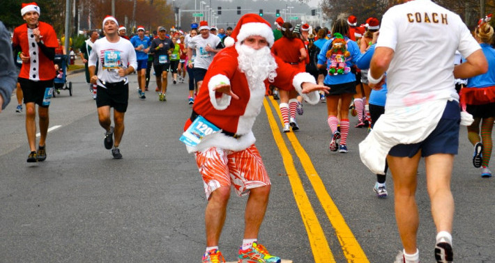 Surf-n-­Santa 10 Miler and Frosty's 5K